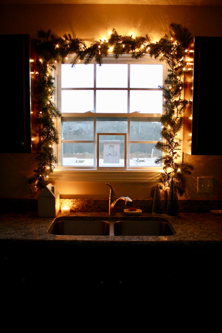 Simple Christmas Kitchen Window + Freebie Download