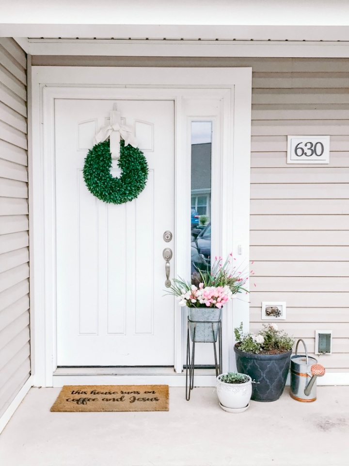 Fresh Spring Front Door Update