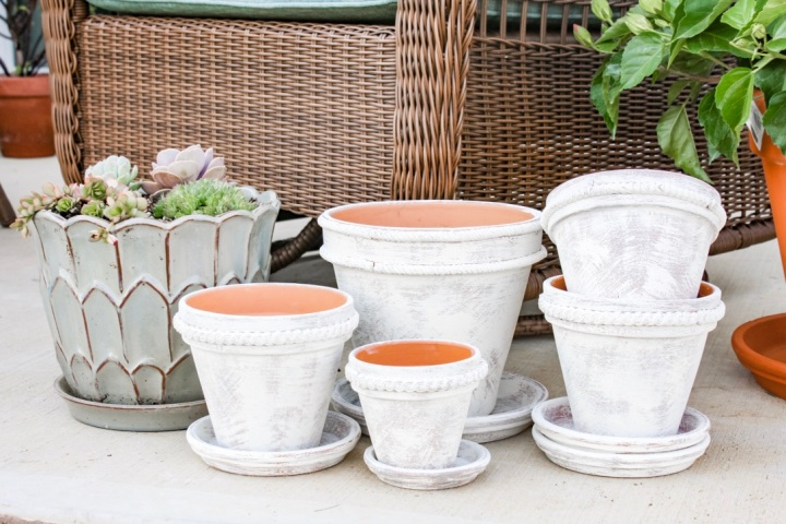 DIY Dry Brush Terra Cotta Pots + Clay Trim