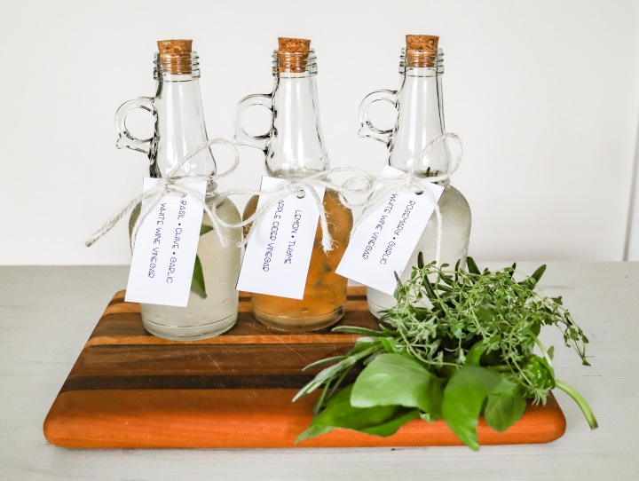 DIY Herb-Infused Vinegar + Free Printable Tag