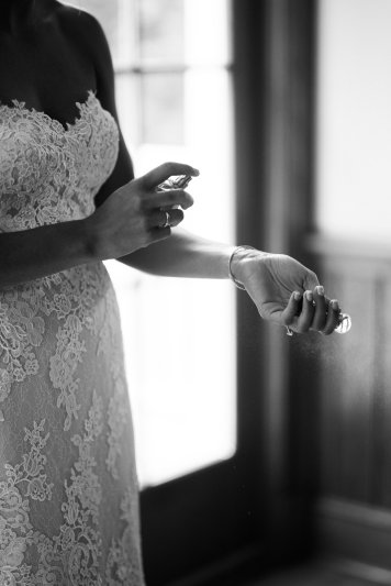 J&B_GettingReady_BeccaBPhotography-110