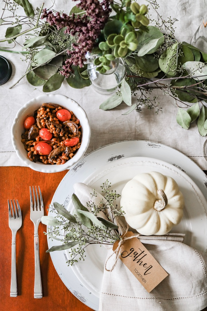 7 Tips to Plan a Vegan Thanksgiving + Recipes